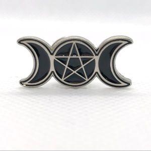 ⭐️pins 5/$25⭐️ Triple Moon Brooch